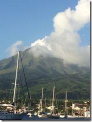 Mt Pelee lite moln